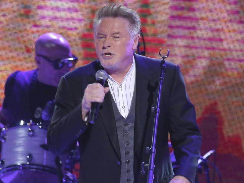 The Eagles' Don Henley is urging Congress to protect artists from online pirating.